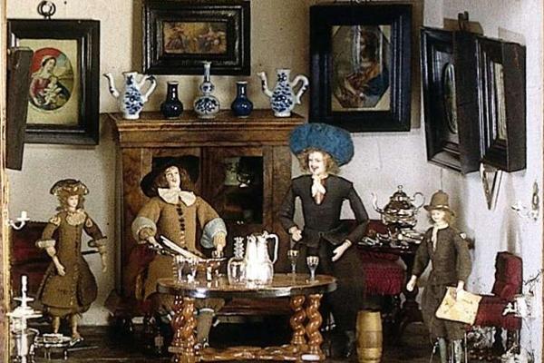 Poppenhuizen en Miniaturenbeurs Houten